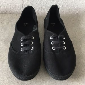 Women H&M loafers shoes size 40